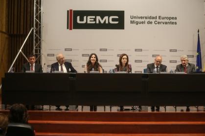 Jornadas Literatura y Periodismo de la Fundación Duques de Soria bajo el título 'El sometimiento del periodista a la cuenta de resultados'.